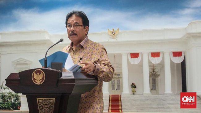 Menteri Agraria dan Tata Ruang/Badan Pertanahan Nasional (ATR/BPN), Sofyan Djalil mengatakan pemerintah tengah menyelesaikan masalah sengketa tanah masyarakat dengan perusahaan swasta, BUMN, maupun pemerintah, di Kantor Presiden, Jakarta, Jumat (3/5).
