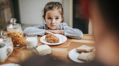 Jenis Makanan yang Baiknya Dihindari Anak Saat Sahur