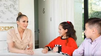 Keseruan Jennifer Lopez Saat Diwawancarai Anak Kembarnya
