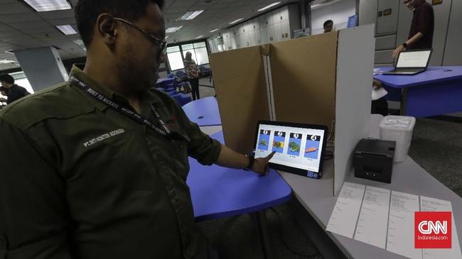 Untuk menyempurnakan kecepatan dan ketepatan dalam proses pemilu berbasis e-voting, BPPT pun melakukan simulasi, Jumat (3/5).
