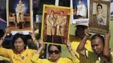 Raja Thailand Maha Vajiralongkorn dinobatkan sebagai raja kesepuluh untuk menggantikan mendiang ayahnya.