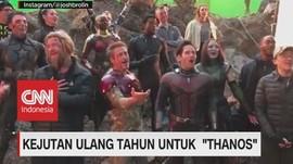 VIDEO: Thanos Ultah, Tim Avengers Bernyanyi