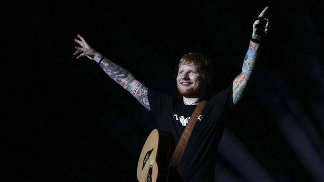 Ed Sheeran menjadikan Jakarta sebagai kota terakhir tur dunia. Dua tahun lalu, ia sempat membatalkan konser di Jakarta lantaran mengalami cedera tangan.