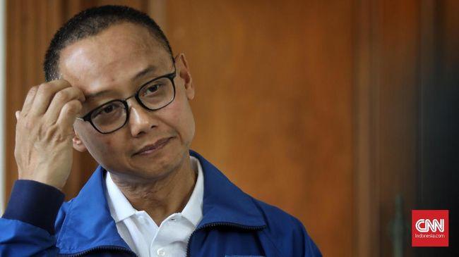 Sekjen PAN Eddy Soeparno menyatakan partai akan membahas opsi memberikan sanksi atau peringatan kepada kader yang mendukung Jokowi di Pilpres 2019.