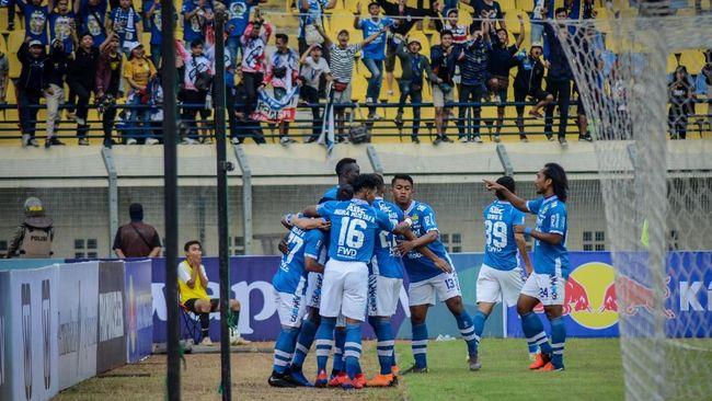 Persib Bandung bermain imbang 1-1 dengan PS Tira Persikabo di babak pertama dalam laga tunda Liga 1 2019 di Stadion Si Jalak Harupat, Soreang.