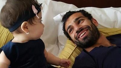 Momen Quality Time Mohamed Salah dan Putri Kecilnya, Makka