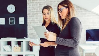 Wanita Hamil Kurang Dapat Dukungan Karier di Tempat Kerja