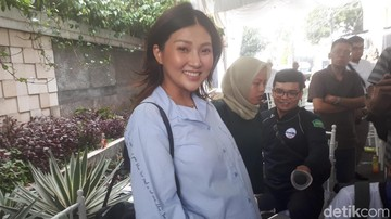 Persiapan Sarwendah Melahirkan, Bawa Tukang Pijat ke Singapura