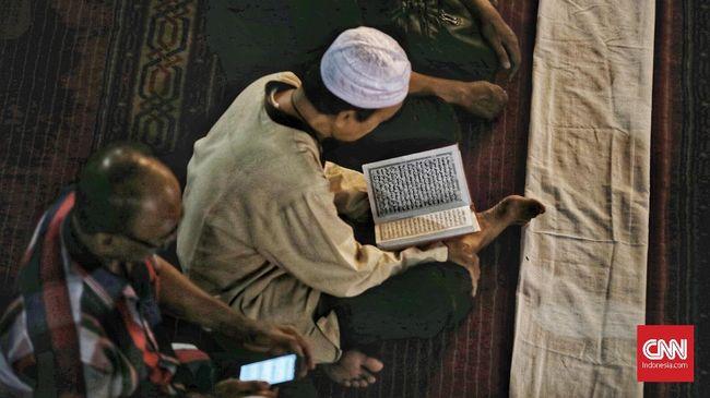 Umat beragama Islam di Indonesia telah masuk pada hari keenam puasa Ramadan 1440 Hijriah hari ini, Sabtu (11/5)