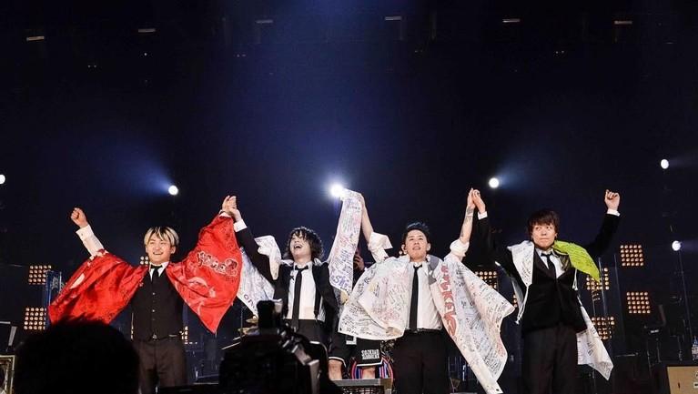 Album Zankyo Reference menjadi album dengan predikat penjualan terlaris dari band One Ok Rock.