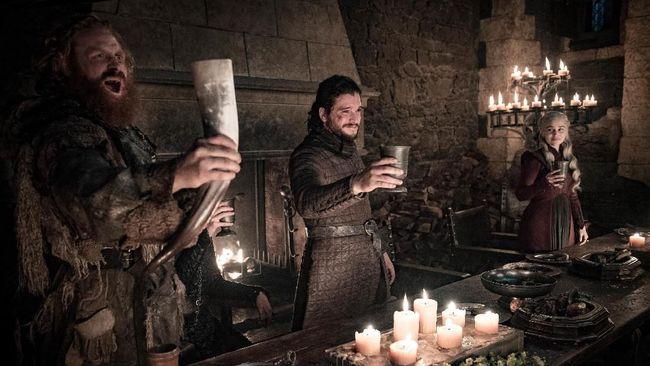Game of Thrones memang sudah tamat pada Mei lalu, tapi penggemar masih dapat menikmati wiski bertema serial tersebut yang dijual seharga Rp472 ribu.