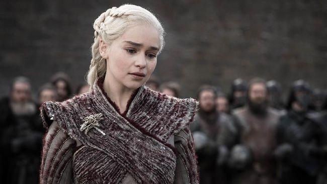 Sebagian netizen kaget dengan sajian episode 6 atau final dari 'Game of Thrones', sisanya tak ingin buka media sosial demi menghindari 'spoiler'.