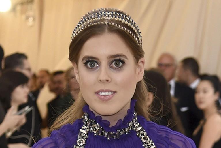 Putri pertama Pangeran Andrew, Putri Beatrice berada di urutan kesembilan pewaris takhta Kerajaan Inggris.