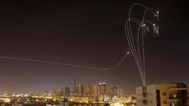 FOTO: Saling Serang Israel-Hamas Jelang Ramadan