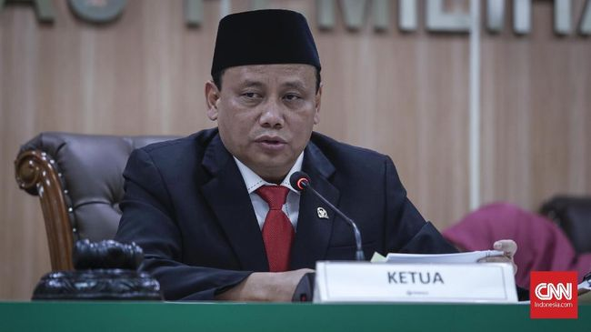 Bawaslu menyebut sejak masa pendaftaran calon hingga tahapan Pilpres 2019 selesai, kubu Prabowo-Sandi tak pernah mempermasalahkan status Ma'ruf Amin di BUMN.