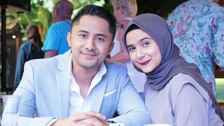 Hengky Kurniawan dan Sonya Fatmala resmi menikah pada tahun 2015. Mereka berdua juga bagian dari pasangan artis yang memilih untuk hijrah.