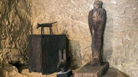 Mesir Temukan 14 Peti Mati Berusia 2.500 Tahun di Saqqara