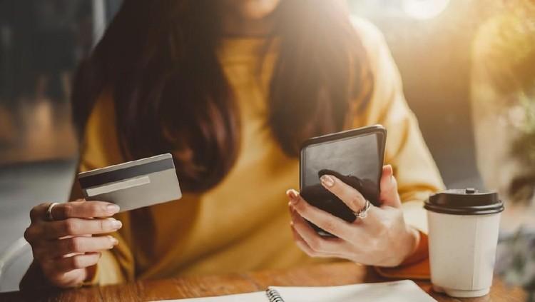 Ada keuntungan yang bisa Bunda dapatkan dari belanja online di bulan Ramadhan.