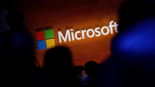 NEW YORK, NY - MAY 2: The Microsoft logo is illuminated on a wall during a Microsoft launch event to introduce the new Microsoft Surface laptop and Windows 10 S operating system, May 2, 2017 in New York City. The Windows 10 S operating system is geared toward the education market and is Microsoft's answer to Google's Chrome OS.   Drew Angerer/Getty Images/AFP