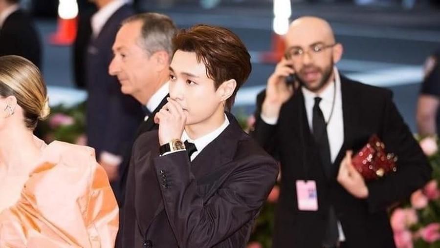 Intip Penampilan Keren Lay EXO di Karpet Merah Met Gala 2019