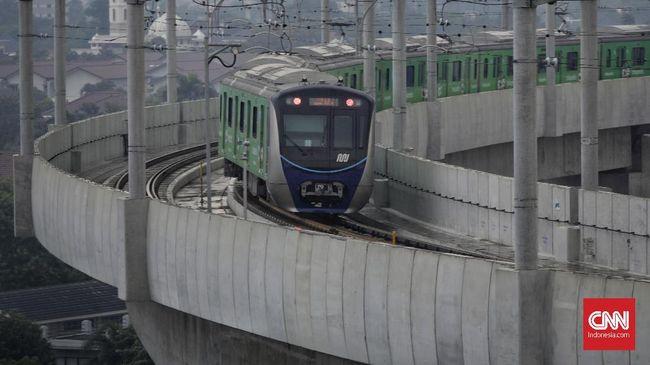 MRT Jakarta siap mengikuti jam operasional yang ditetapkan Pemprov DKI selama kebijakan pembatasan sosial berskala besar, yakni pukul 06.00-18.00 WIB.