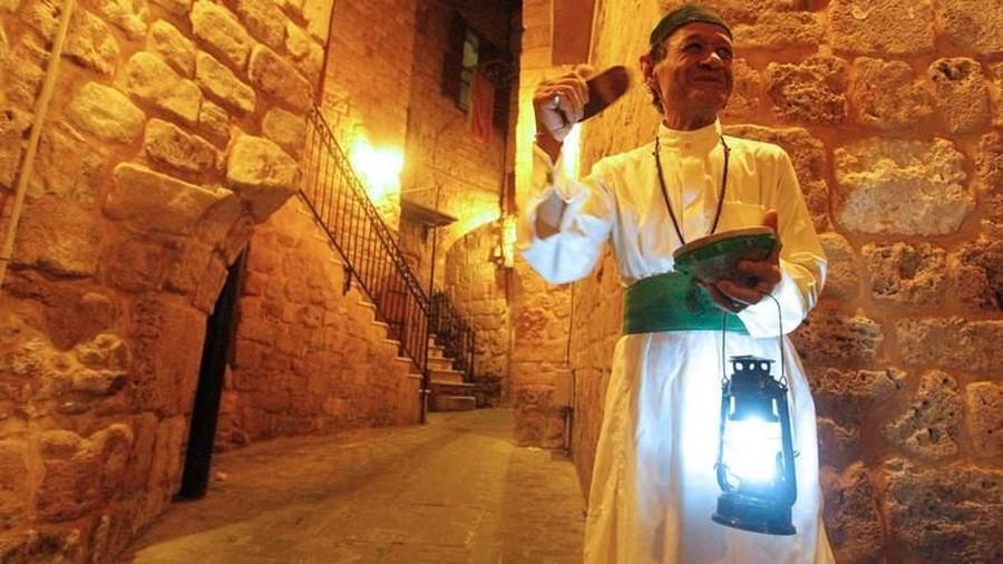 Lima Tradisi Sahur Unik di Bulan Ramadhan dari Berbagai Dunia