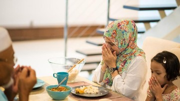 Doa Berbuka Puasa yang Mudah Diajarkan ke Anak