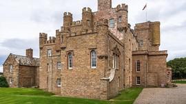 Pangeran Charles Buka Hotel di Skotlandia