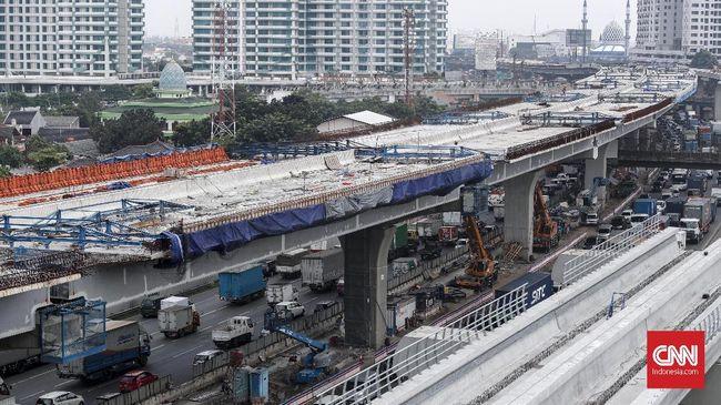 Pemerintah mulai melakukan uji coba beban Jalan Tol Layang Jakarta-Cikampek (Japek) II hari ini, Senin (23/9). Tarif tol diusulkan Rp1.250 per kilometer (Km).