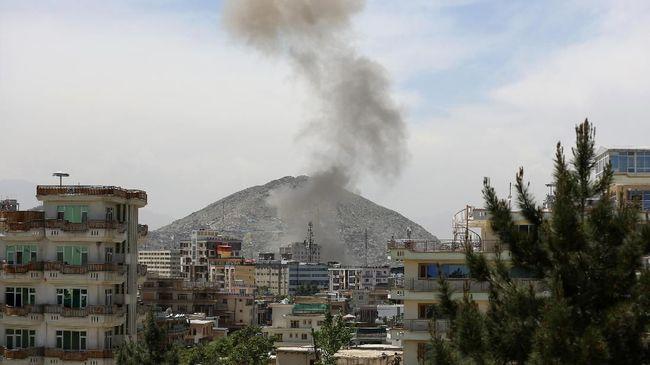 Ledakan bom bunuh diri terjadi di Jalalabad, Afghanistan. Sebanyak 11 orang tewas dalam insiden tersebut.