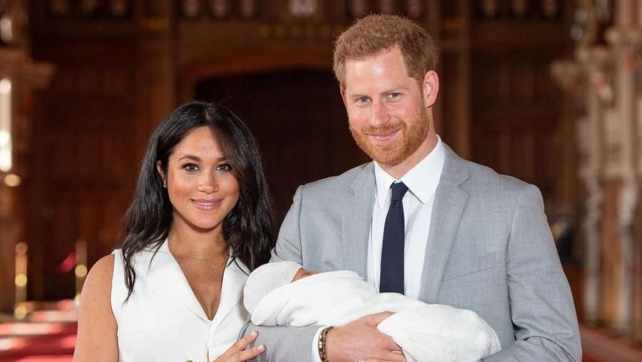 Gaya Parenting Harry & Meghan Markle untuk Si Kecil Archie