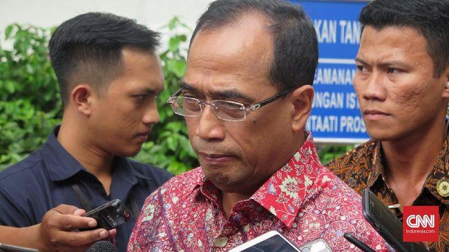Menteri Perhubungan Budi Karya Sumadi mengatakan walau harga tiket dikeluhkan mahal, jumlah penumpang pesawat justru naik.