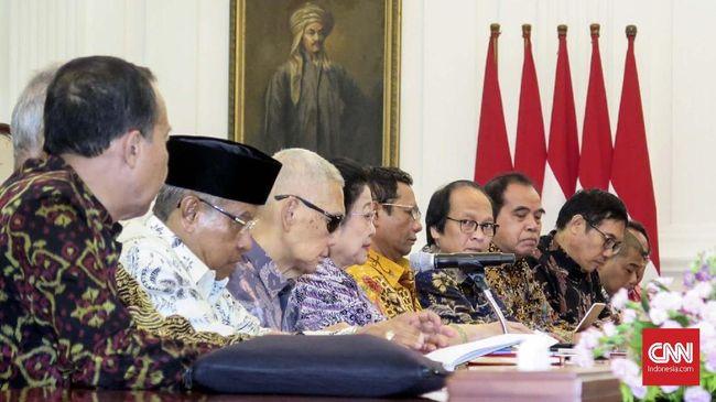 Presiden Joko Widodo (Jokowi) menerima anggota Dewan Pengarah Badan Pembinaan Ideologi Pancasila (BPIP), di Istana Merdeka, Jakarta, Kamis (9/5).