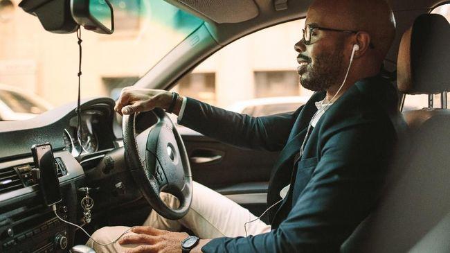 Munculnya pusing ketika aktivitas mengemudi saat berpuasa disebabkan karena gula darah dalam tubuh di bawah batas normal.