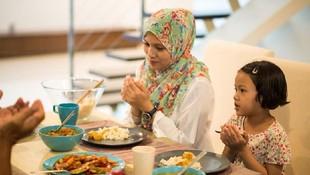Dari Sisi Psikologi, Usia Berapa Anak Bisa Diajari Puasa?