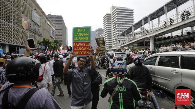 Neno mengatakan jika laporan BPN Prabowo-Sandi ditolak oleh Bawaslu, mereka akan tetap mengawal aksi-aksi protes kecurangan secara konstitusional.