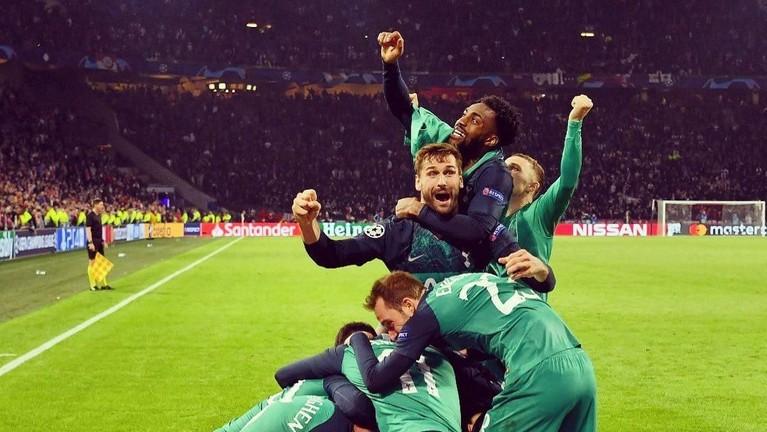 Tottenham Hotspurs berhasil lolos ke final berkat unggul agregat gol tandang lewat hattrick Lucas Moura.
