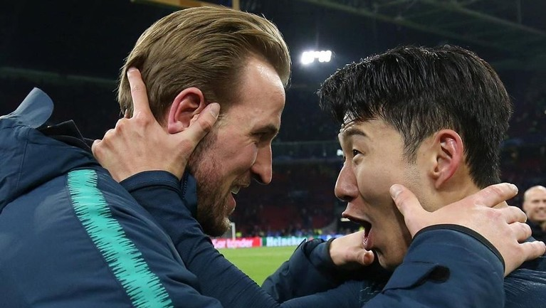 Anak asuhan Mauricio Pochettino mampu membalas kekalahan dari Ajax Amsterdam dengan skor 3-2 pada leg 2 pertandingan semifinal Champions League 2019.
