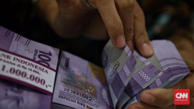 OJK mencatat utang masyarakat lewat perusahaan pinjaman online (pinjol) atau P2P Lending mencapai Rp19 triliun per Maret 2021, naik 28 persen (yoy).