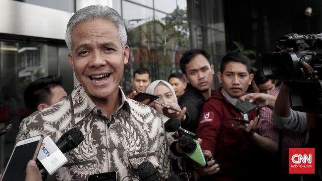 Untuk memudahkan pengaduan masyarakat, Gubernur Jateng Ganjar Pranowo minta kepada SKPD Pemprov Jateng agar pakai media sosial (medsos).