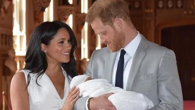 Cara Unik Pangeran Harry Ekspresikan Rasa Bangga Jadi Ayah Baru