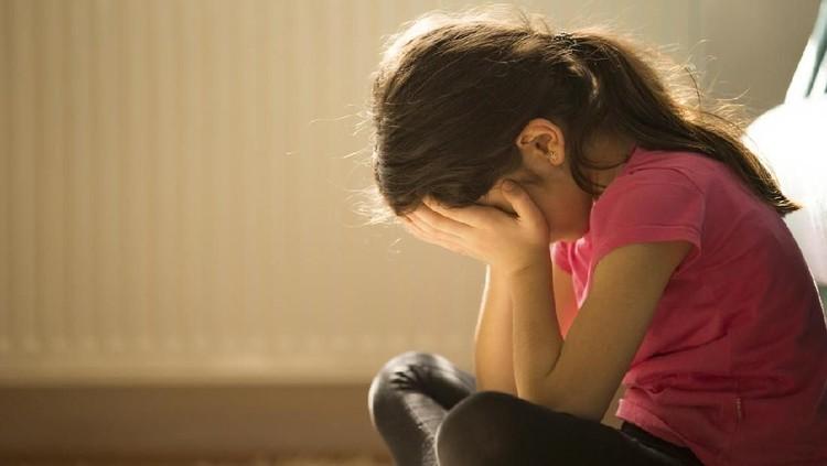 Jangan sepelekan emosi dan perubahan yang terjadi pada anak, Bun. Bisa jadi itu tanda dia mengalami gangguan kesehatan mental.