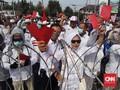 Polisi Halau Massa Pro Prabowo yang Kepung KPU Jawa Tengah