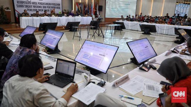 Ketua KPU Arief Budiman membuka peluang menetapkan hasi Pemilu 2019 hari ini lantaran hanya tinggal empat provinsi yang belum direkapitulasi.