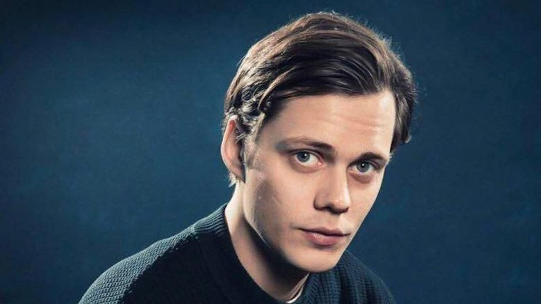 Bill Skarsgard adalah anak dari aktor tenama di Swedia yang bernama Stellan Skarsgard.
