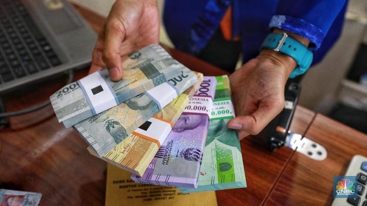 Pembukaan Pasar: Rupiah Melemah Tipis ke Rp 13.630/US$