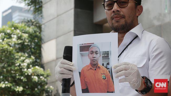 Direktur ICJR Erasmus Abraham Todo Napitupulu berpendapat, polisi salah dalam menerapkan pasal makar terhadap orang yang dituduh menghina presiden.