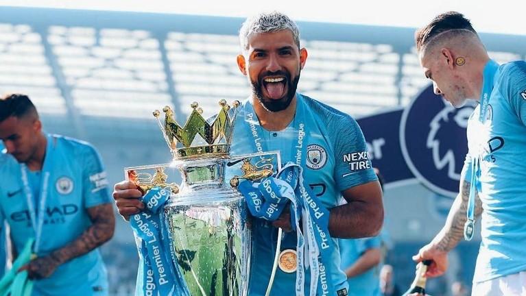 Manchester City unggul dengan 98 poin dari Liverpool yang hanya bisa puas berada di posisi kedua dengan 97 poin.