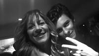 Shawn Mendes membagikan kedekatannya dengan sang ibu. Penyanyi 20 tahun ini bilang, enggak terbayang hidupnya tanpa sang ibu. (Foto: Instagram @shawnmendes)