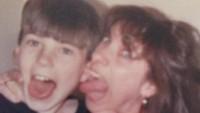"""Throwback masa kecil dengan sang ibu, Chris Evans ucapkan, """"Happy Mother's Day."""" (Foto: Twitter @ChrisEvans)<br /><br />"""